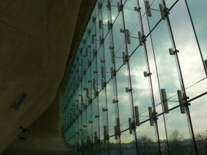 Nadzór budowlany sprawdza Muzeum Historii Żydów