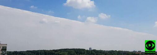 """""""Niebo było jak podzielone od linijki"""". Intrygująca chmura nad południem kraju"""